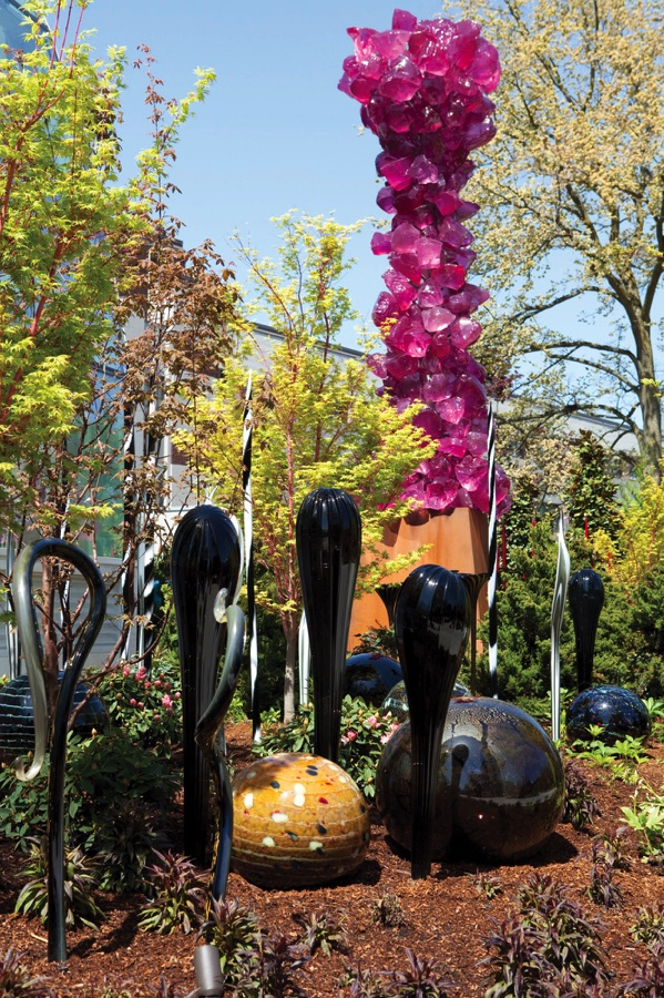 See it all chihuly garden and glass for Chihuly garden and glass hours